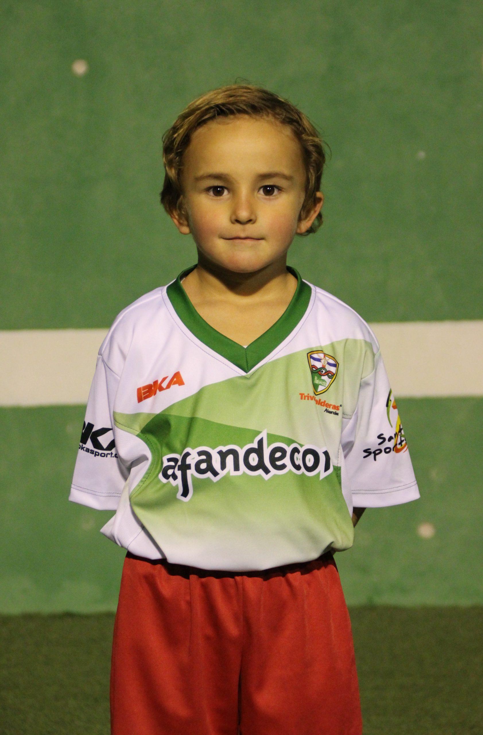 16 Hugo  Santos González