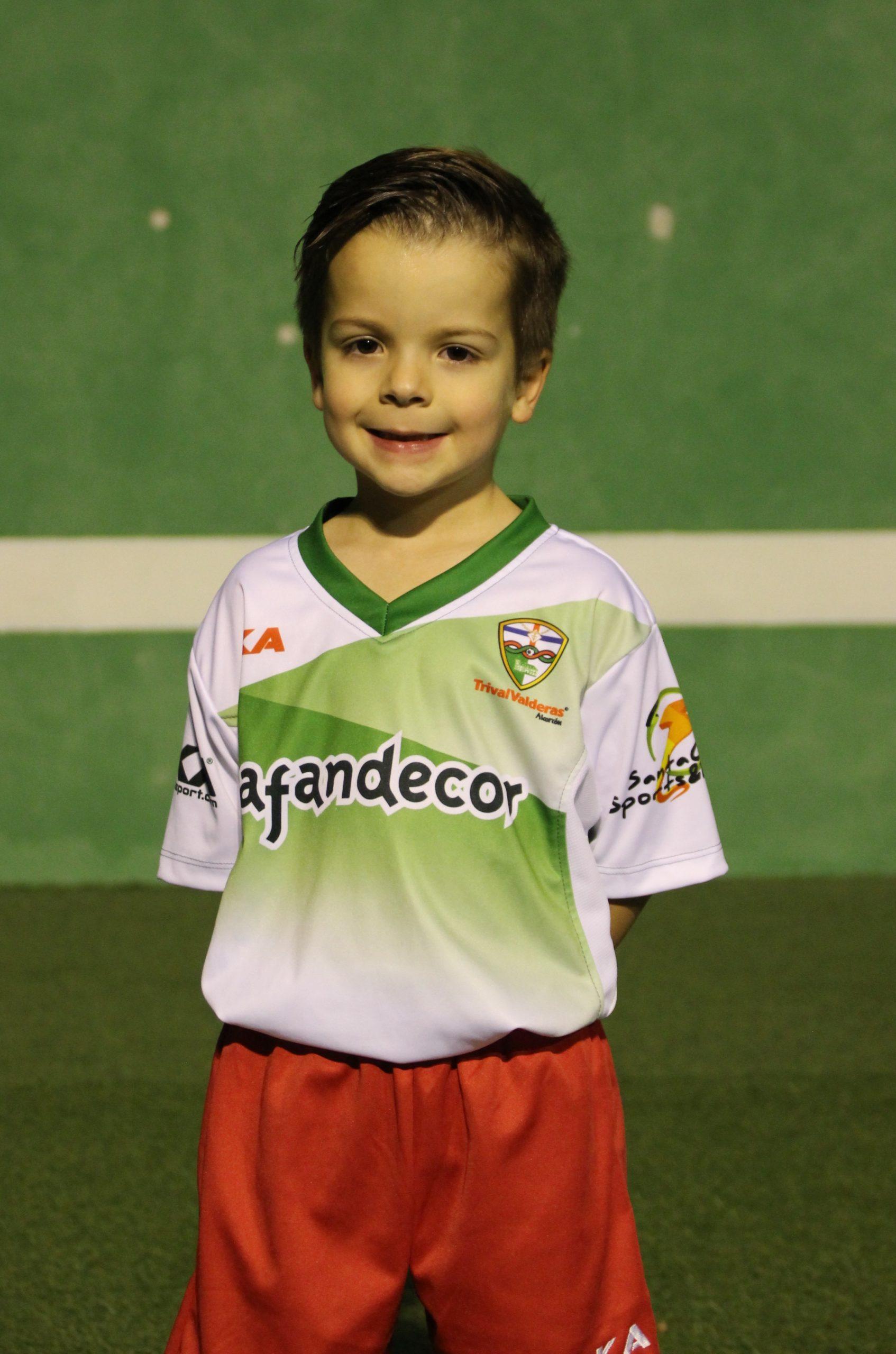 16 Alejandro Fernández Gómez