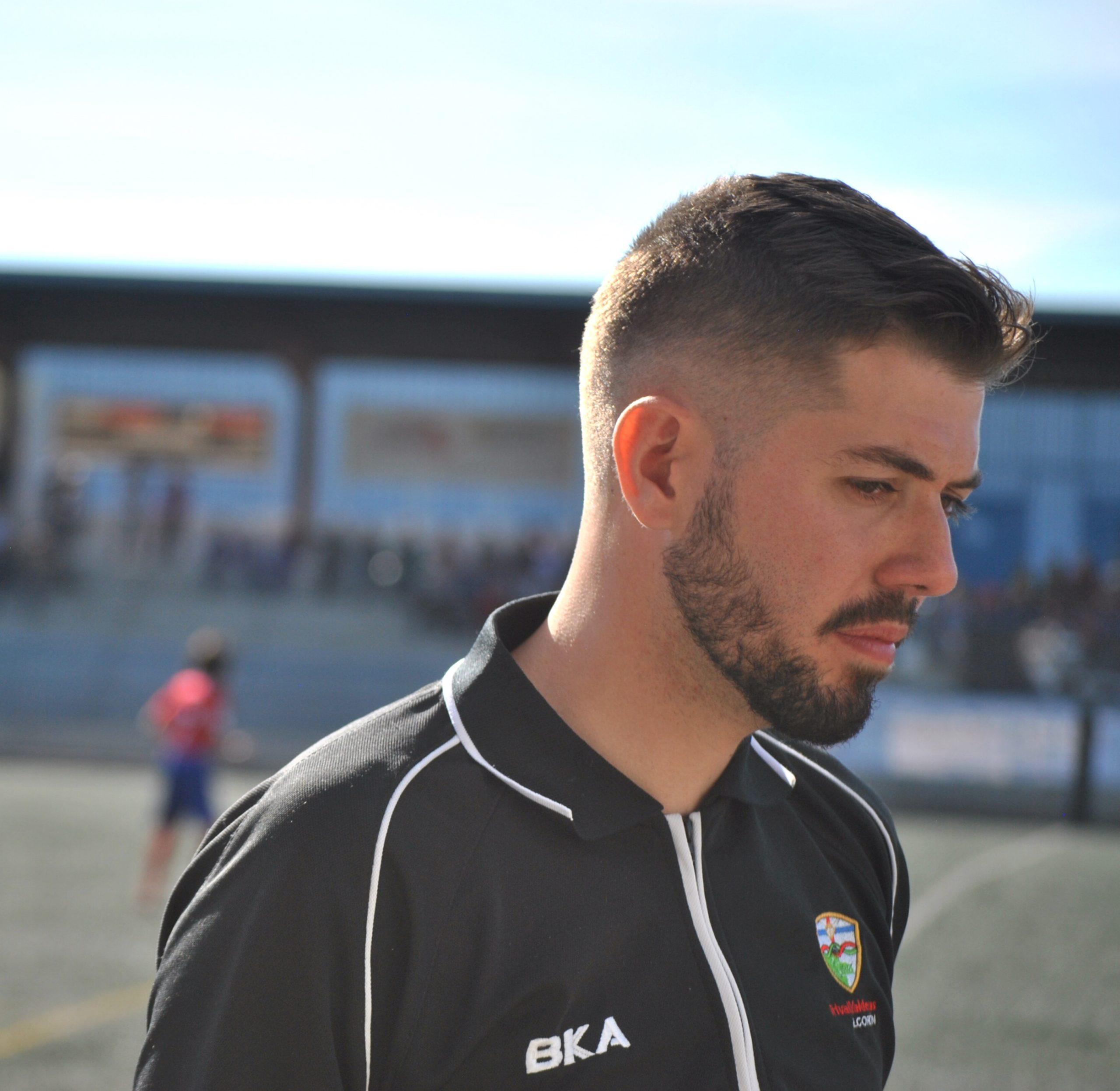 """Jorge Carracedo, entrenador del C.F TrivalValderas: """"Sueño con vivir del fútbol"""""""