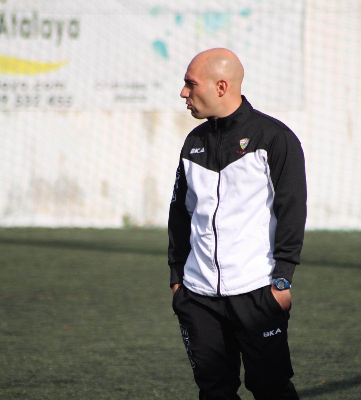 """Fernando Galiano, entrenador del Cadete A: """"Vamos a trabajar duro para estar en la parte alta de la clasificación"""""""