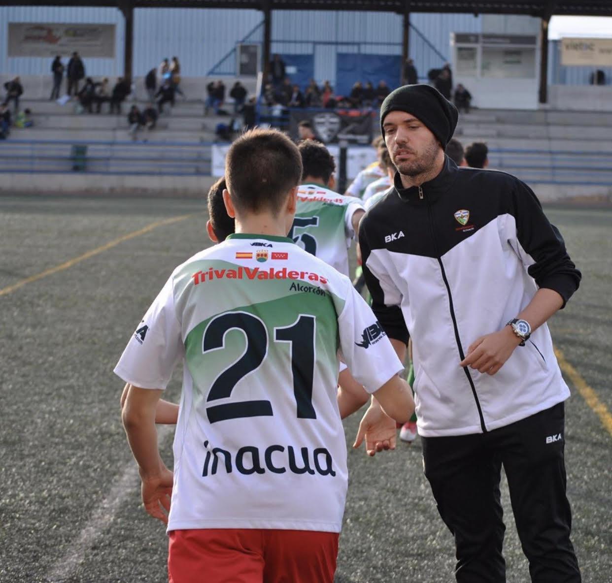 """Fran Esteban, entrenador del Cadete 'C': """"El aspecto psicológico es fundamental en el fútbol porque es el que te va a dar o quitar"""""""