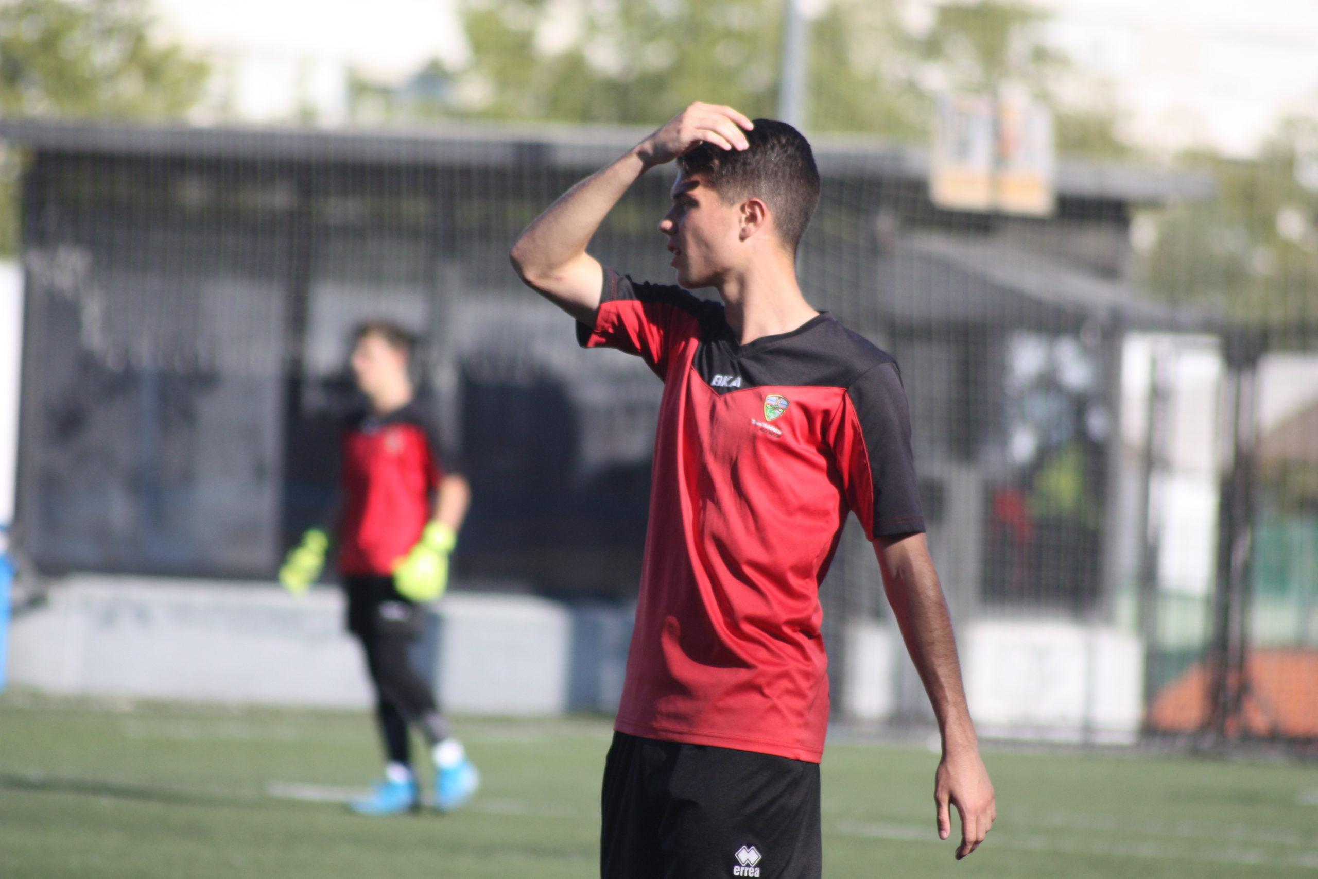 """Dani Martínez, jugador y entrenador del TrivalValderas: """"No puedo imaginarme mi vida sin el fútbol"""""""