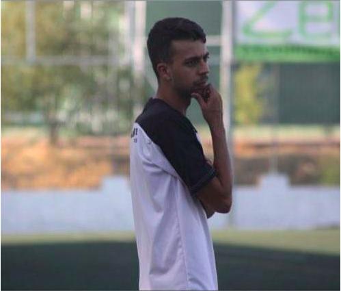 """Álex Pérez, entrenador del TrivalValderas: """"El fútbol es el significado de mi vida"""""""
