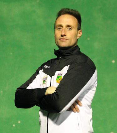 """Alberto, entrenador del Juvenil 'D': """"Es una plantilla compensada, con mucha calidad técnica y ambición de todos los jugadores"""""""
