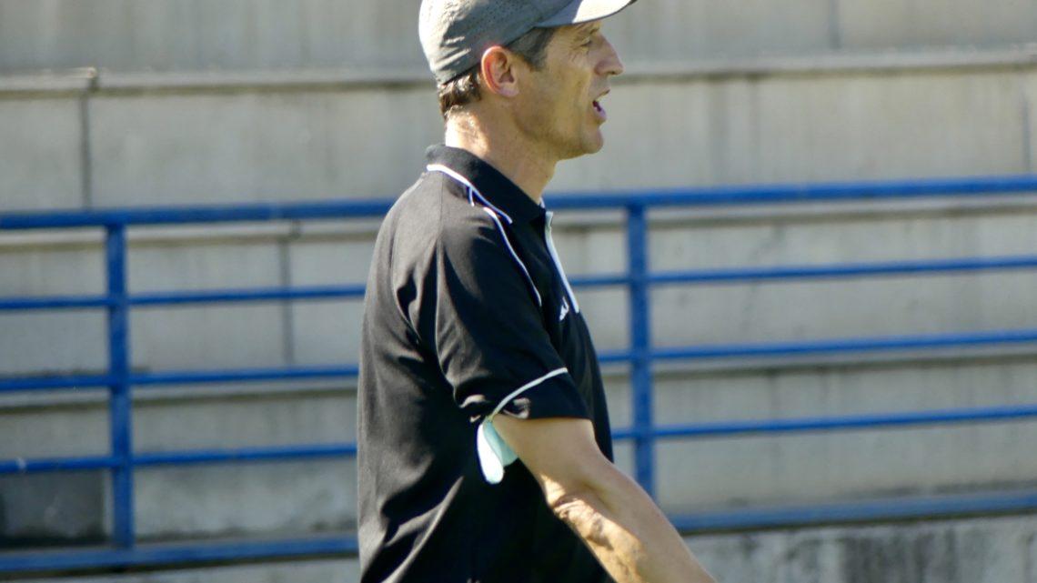 """Fernando, entrenador Juvenil 'C': """"Tanto jugadores como cuerpo técnico estamos muy ilusionados con el equipo"""""""